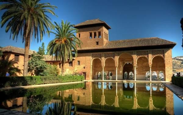 alhambra granada spanija